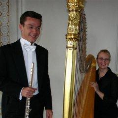 Der Flötist Tobias Kaiser und die Harfenistin Marlis Neumann