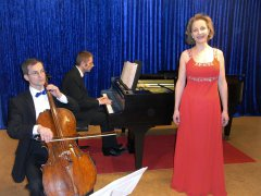 Movimento München Konzertraum Auftritt Gesang Violoncello und Klavier
