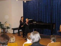 Movimento München Konzertraum Soloauftritt einer Violinschülerin