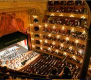 München - Die Oper, der große Innenraum vom Balkon aus gesehen